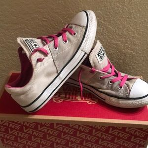 Vans Shoes - Girls  converse all star 💫 size 3